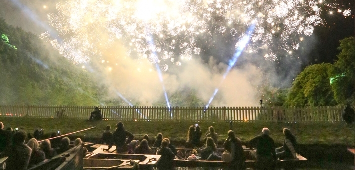 May Ball Tours - Cambridge Fireworks Punting