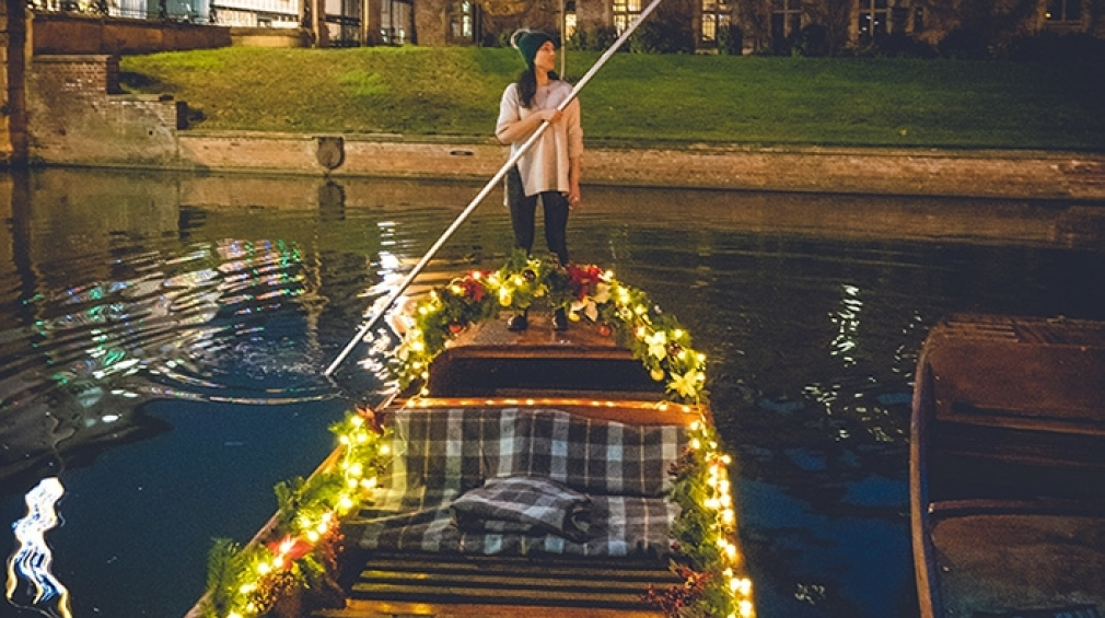 Festive Punt Tours in Cambridge